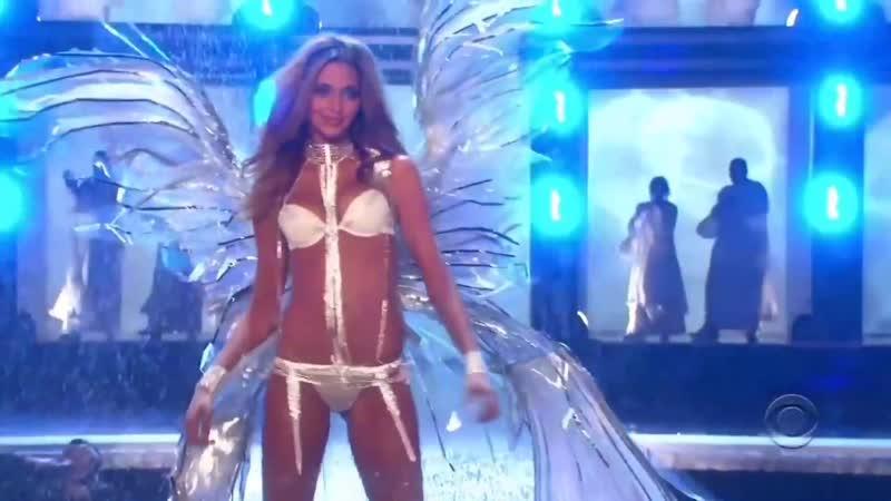 Ana Beatriz Barros Victorias Secret Runway Walk Compilation 2002-2009 HD.1