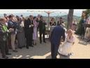 Путин станцевал на свадьбе