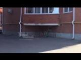 Ростовская полиция проверяет сообщения о детях, запертых в клетке около дома