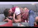 Festa Gaucha 01 03 2017 Parte 100 Marcos e Emilly trocam trocam amassos quentes no sofá da sala M também dá mordidinha