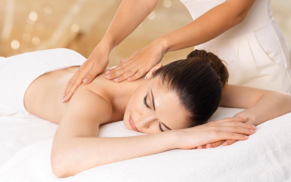 Большинство спа-терапевтов специализируются на массаже.
