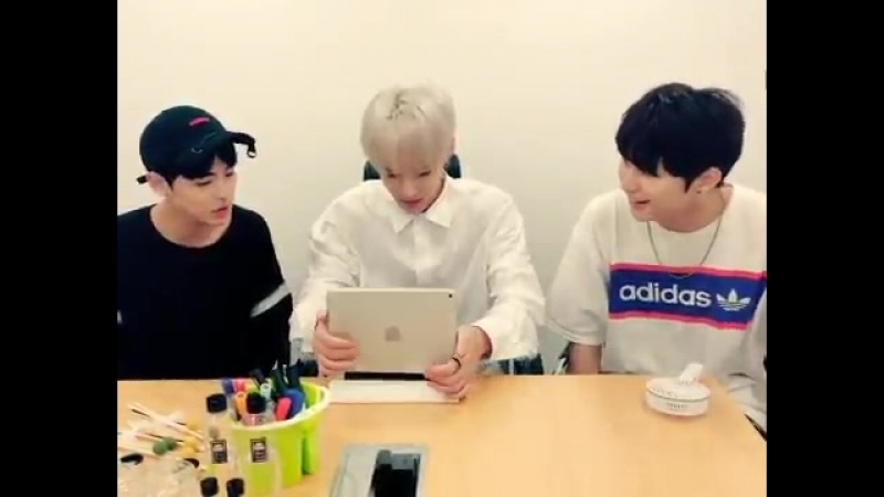 Sejun not understanding how this tablet stand works