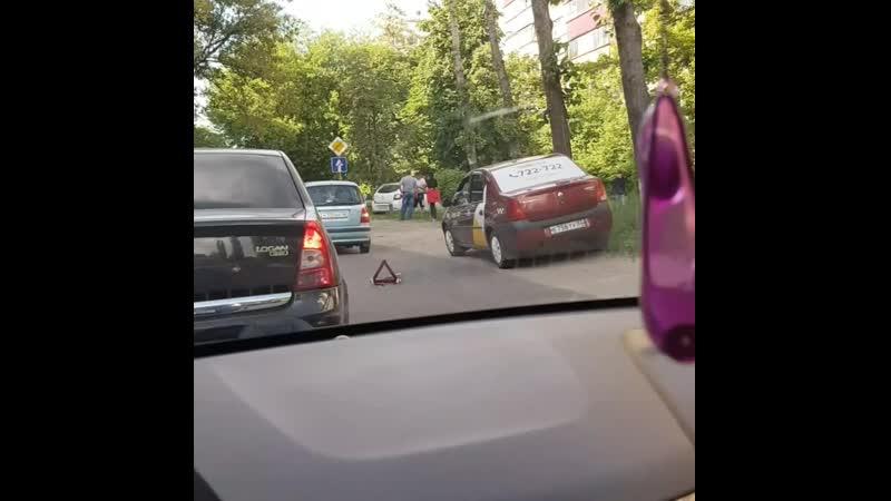 Авария из 8ми автомобилей на улице Краснополянская