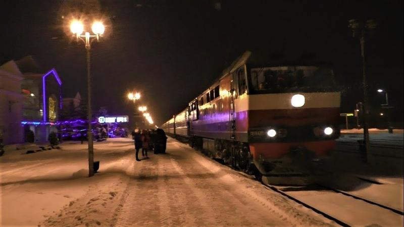 ТЭП70-0369 с поездом №84 Гомель– Санкт-Петербург прибывает на станцию Жлобин-Пассажирский
