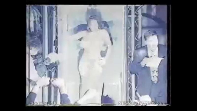 Linsey Dawn Mckenzie shows boobs