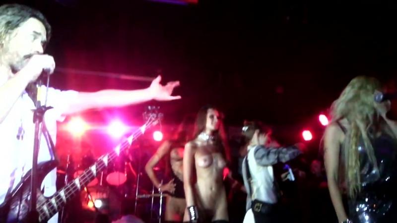 korroziya-metalla-sinie-kunilingusi-video-porno-s-bobbi-stars-na-aypad
