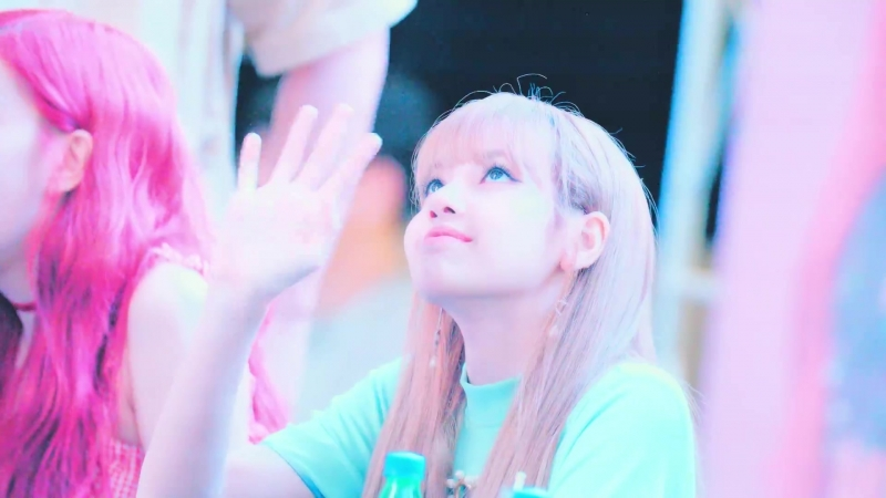 180708 LISA slow motion cam @ IFC Mall Yeouido fansign