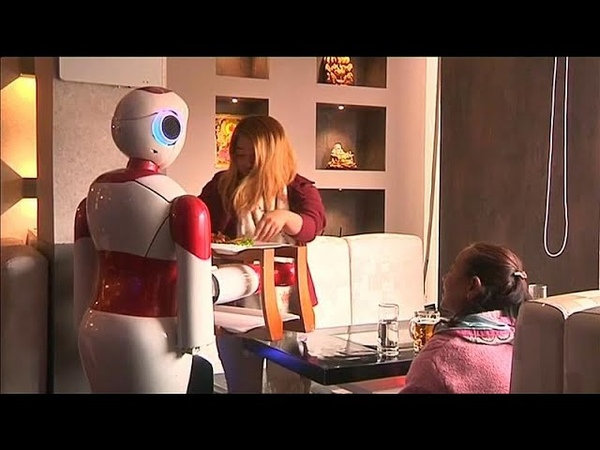 В непальском ресторане заменили официантов роботами