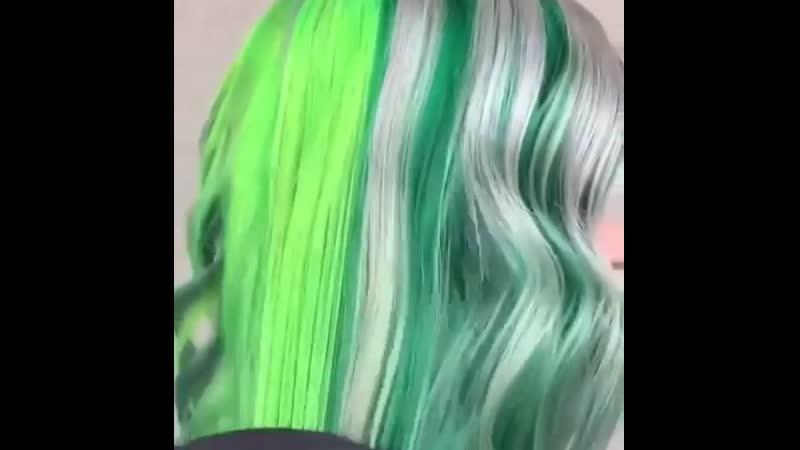 Зелёно-пепельный цвет волос