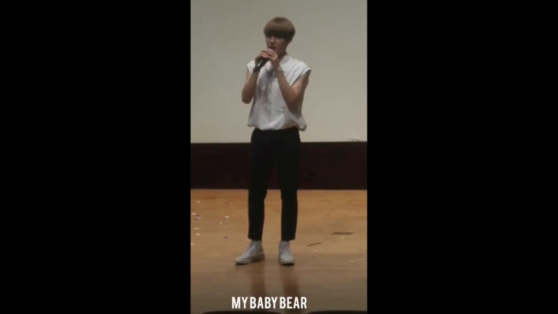 FANCAM | 17.08.18 | Chan @ 15th fansign Beatroad