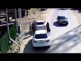 Чеченцы избили полицейского на переправе