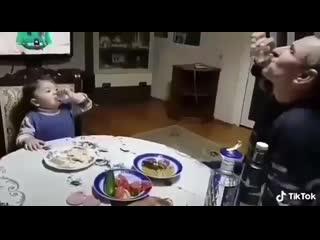 Азербайджанец учит внука пить водку 2019 азербайджан azerbaijan azerbaycan баку baku baki карабах 2019 hd