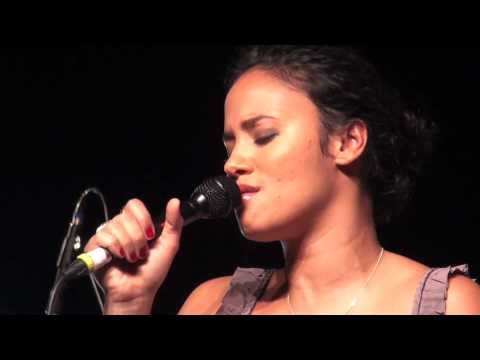 Mayra Andrade Mon carrousel Live à Bruxelles 6 8