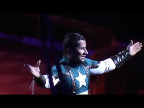 Киевский цирк SUPERMEN НА АРЕНІ. Выступление акробатов Супермен и человек паук.