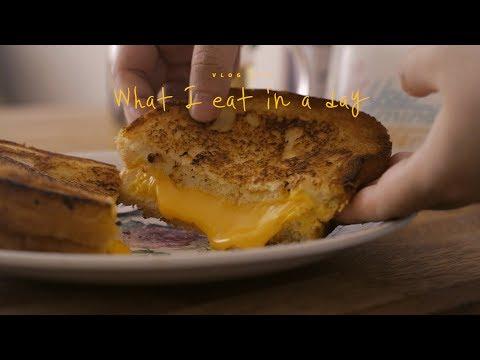 [SUB] VLOG 26 하루세끼, 그릴드치즈샌드위치와 김치찌개 : What I eat in a day, sandwich and kimchi-jjigae | Honeykki