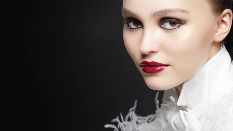 Лили Роуз Депп в коллекции Maximalisme de Chanel 2018