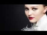 Лили-Роуз Депп в коллекции «Maximalisme de Chanel» 2018