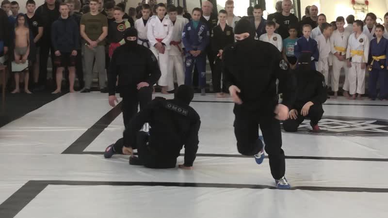 Показательные выступления бойцов Рязанского ОМОН на турнире единоборств Посвящение