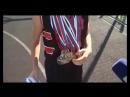 Гений мяча 12-летняя школьница мастерски играет в баскетбол
