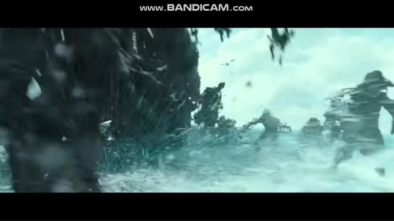 Салазар бежит по воде
