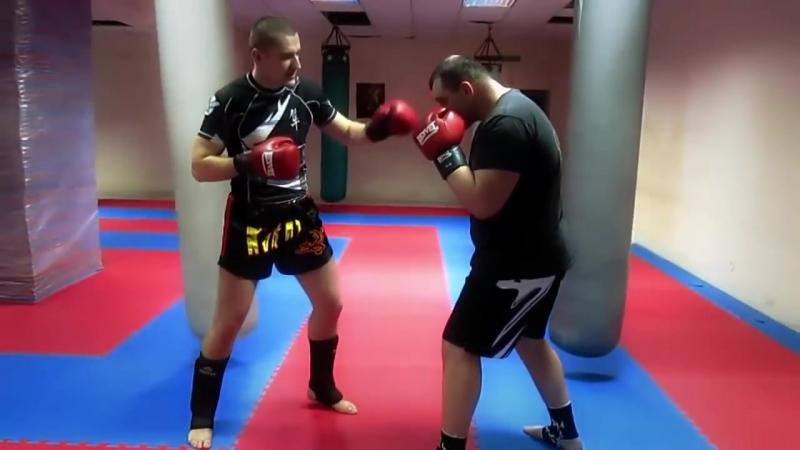 Виталий Варченко. Muay Thai. Три жесткие комбинации.