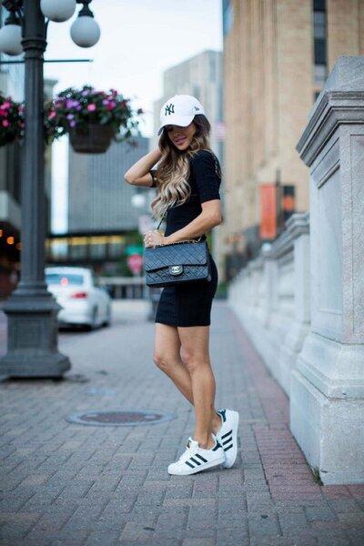 Чем дополнить черное платье: 5 стильных вариантов