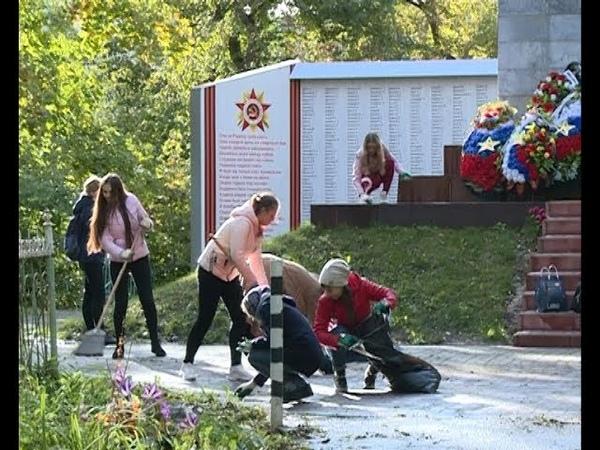 Вахта памяти молодежь Ельца провела добровольческую акцию на старом кладбище