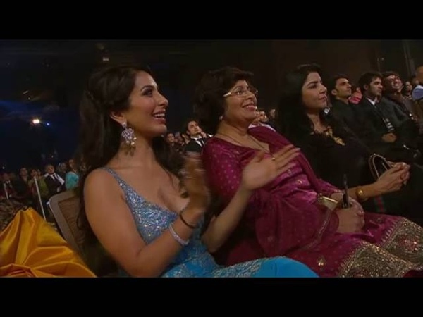 Aishwarya Rai's Dance Performance Zee Cine Awards 2011