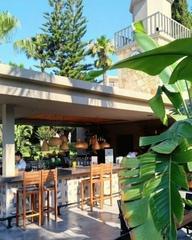Meltem Pool & Snack бар с его удобным новым дизайном и с восхитительным выбором на обед