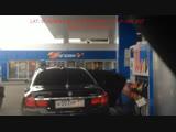 Наливать бензин в канистру