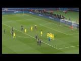 David luiz move the spray of the referee