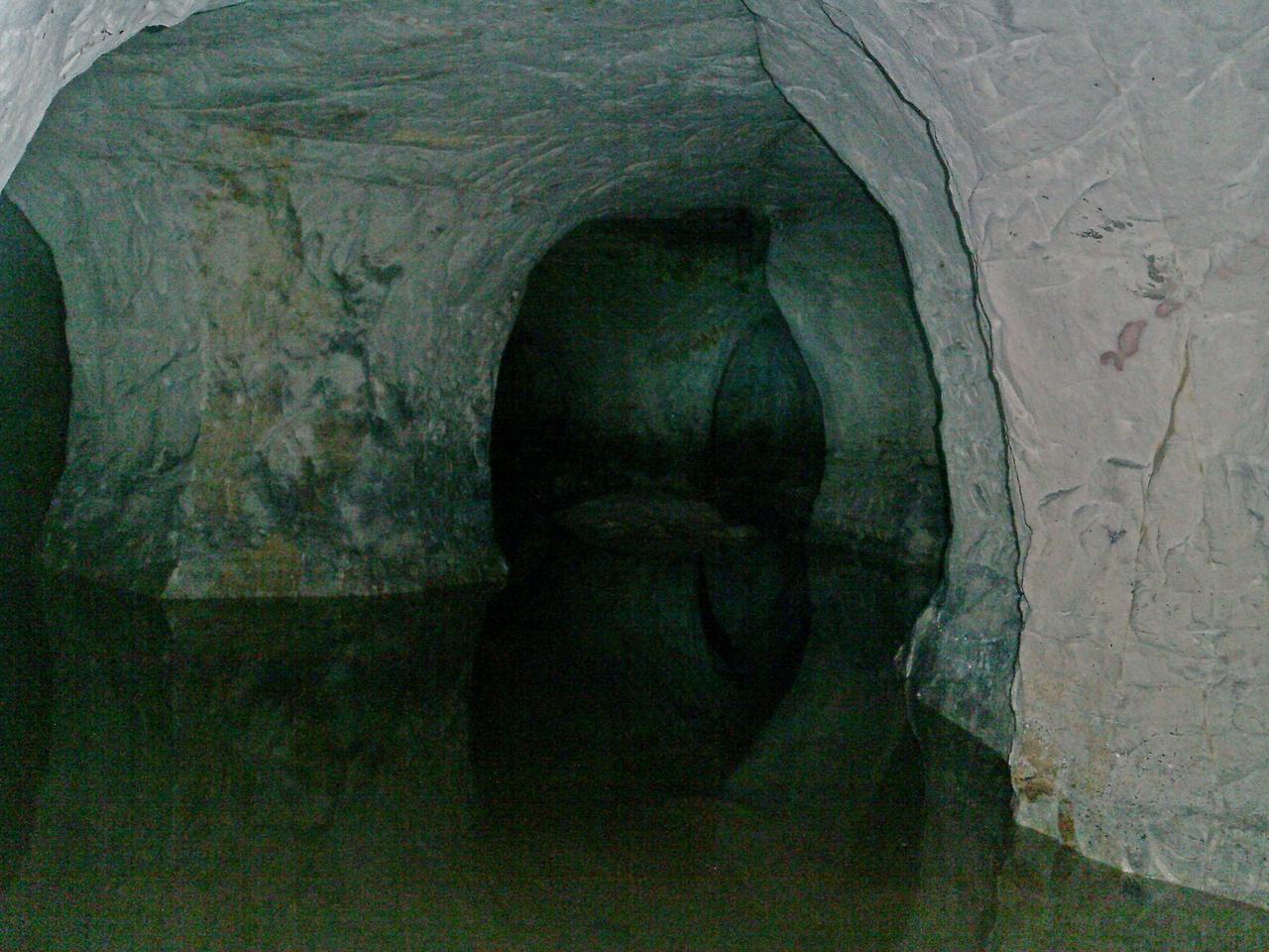 По Старой Ладоге зимой. Прогулка по двум пещерам.