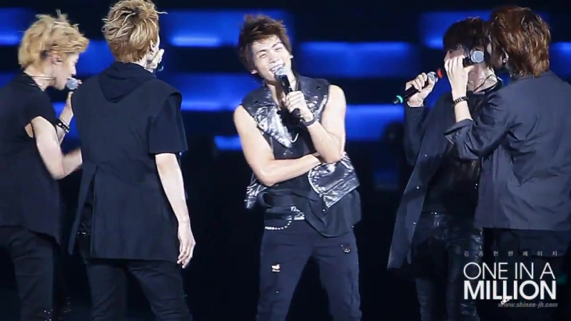 [fancam] 110820 SHINee Jonghyun stand by me cut@1st Concert in Nanjing