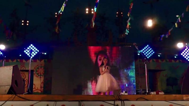 Элина Иннокентьева - Оҕо саас (Саха ыччатын саргылаах түһүлгэтэ 2017(Концерт студии Добун Антона Иванова)ҮС ХАТЫҤ)