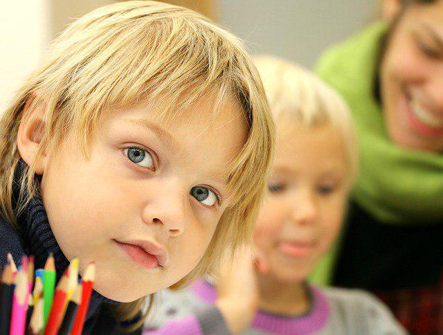 Более 12 тысяч вчерашних детсадовцев из СВАО впервые сядут за парты в этом году