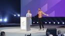 Голий чоловік вийшов на сцену до Тимошенко
