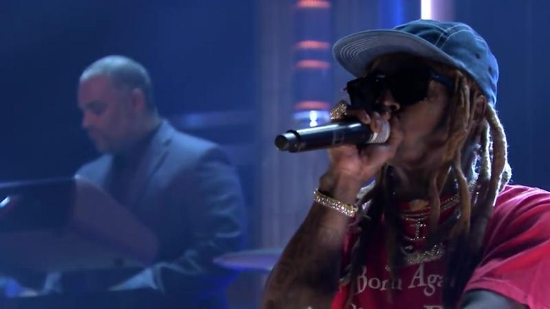 Lil Wayne_ Dedicate 2 октября — Лил Уэйн на телешоу Джимми Фэллона в Нью-Йорке, США.