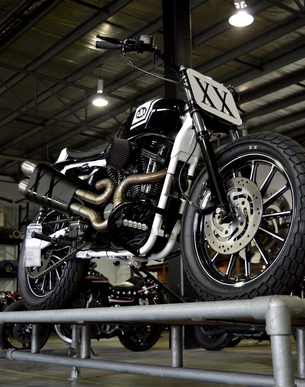 Gasoline Motor Co.: кастом Harley-Davidson Sportster XX Tracker