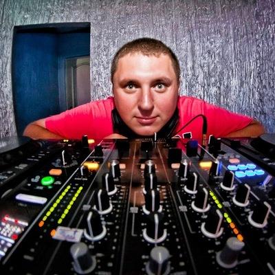 Александр Валентинов