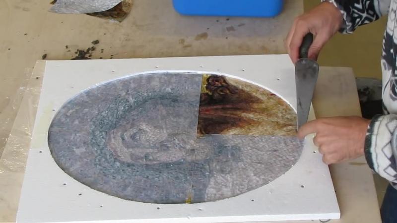 Создается художественная мозаика Realizzazione di un mosaico artistico