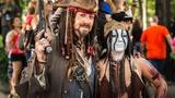 Adam Savage Incognito as Jack Sparrow at DragonCon 2013