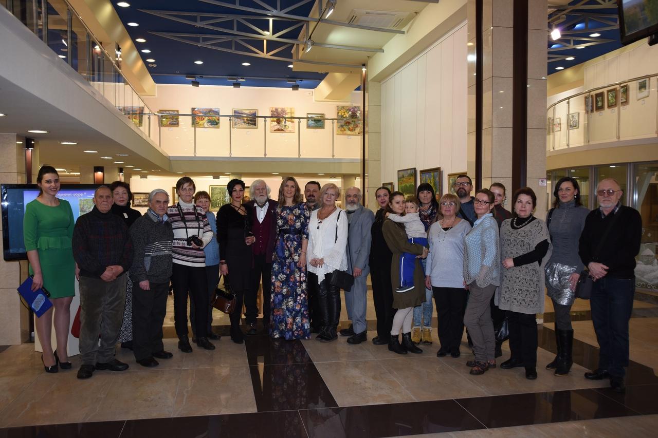 Открытие выставки «Времена года» в художественном музее «Арт-Донбасс»