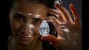 Рекордных размеров бесцветный бриллиант, проданный на аукционе «Наследие Уинстона» 1