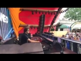 Wow! Hernan Cattaneo playing Blaktone &amp FromPetersburg - Acid Drama (Analog Jungs Remix) at Tomorrowland - Belgium .