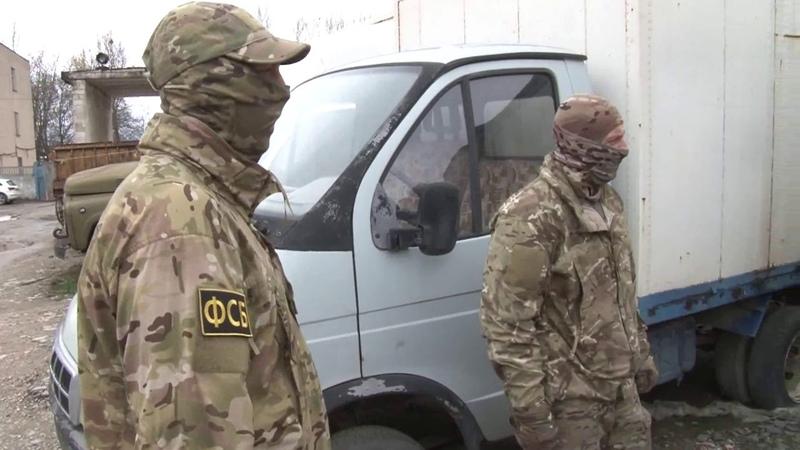 УФСБ В Крыму пресечён канал незаконного распространения и изготовления алкогольных напитков