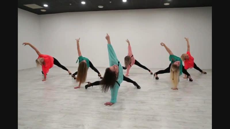 Уроки стрип-пластики в Белгороде. Школа танцев Dance Life Белгород. Наталья Расторгуева