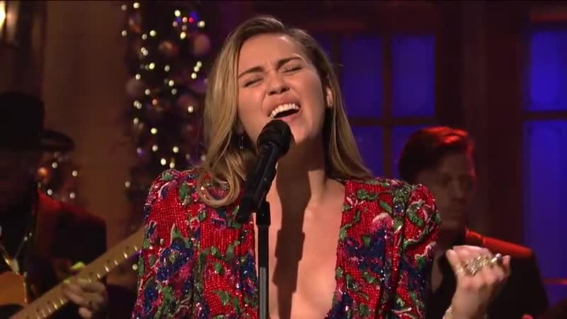 Mark Ronson and Miley Cyrus ft. Sean Ono Lennon (Happy Xmas) War Is Over (Live) - SNL