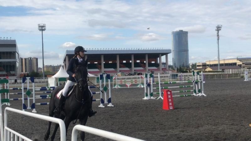 Афанасьева Карина и Забег 120 см скоростной