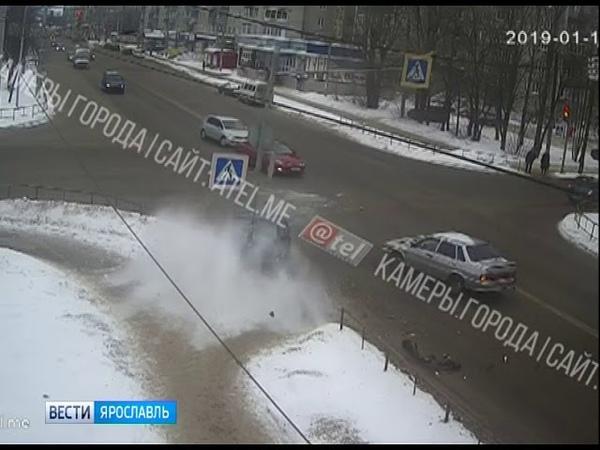 Стали известны подробности ДТП с участием служебного автомобиля в Ярославле