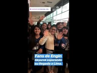 PERÚ! FANS DE EnginAkyürek esperando en el aeropuerto EnginLatA